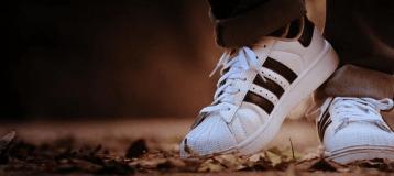 Ab Mahkemesi Adidas'ın 3 Çizgisi İçin Marka Değil Kararı Verdi